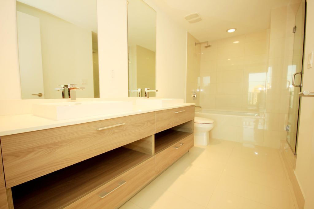 Unit 3506 at SLS Brickell - Master Bathroom